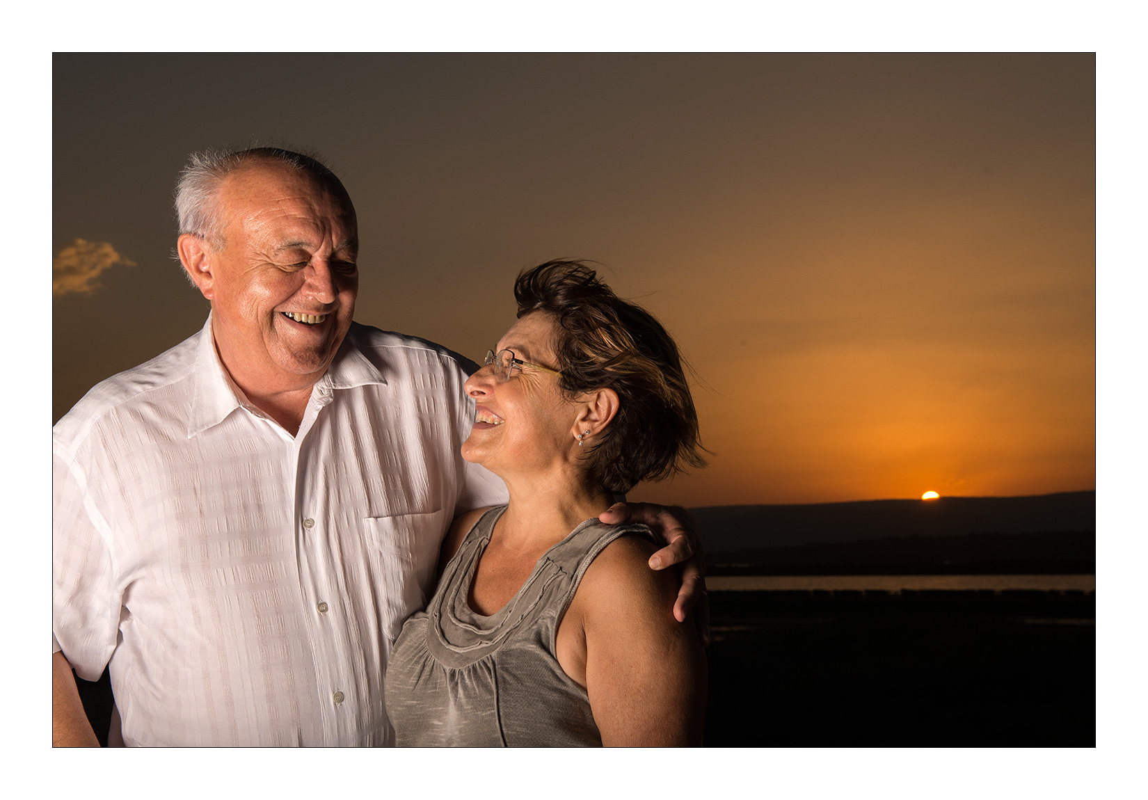 couple-grand-parent-coucher-soleil-amour-generation-photo-montpellier