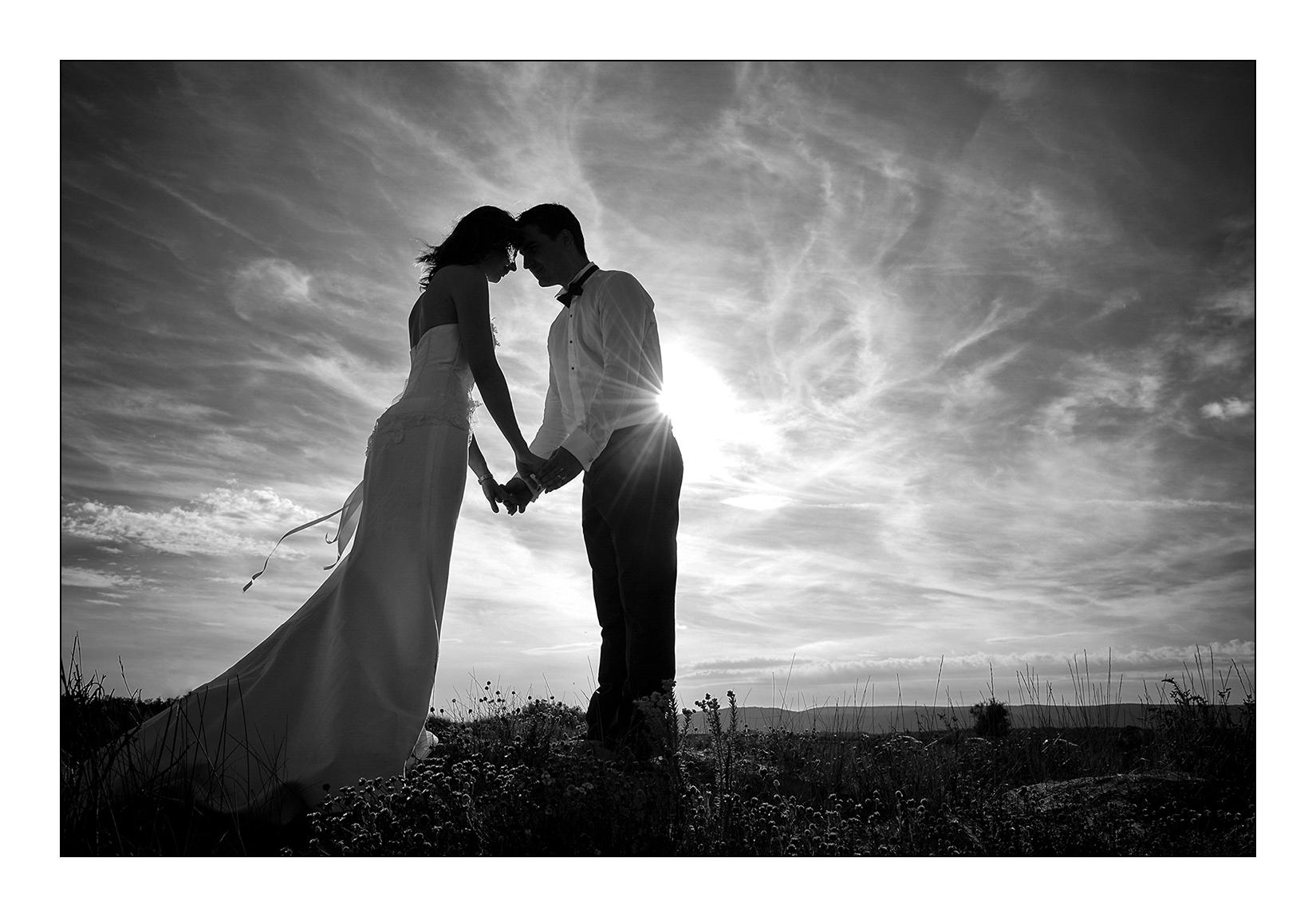 mariage-noir-blanc-reportage-emotion-couple