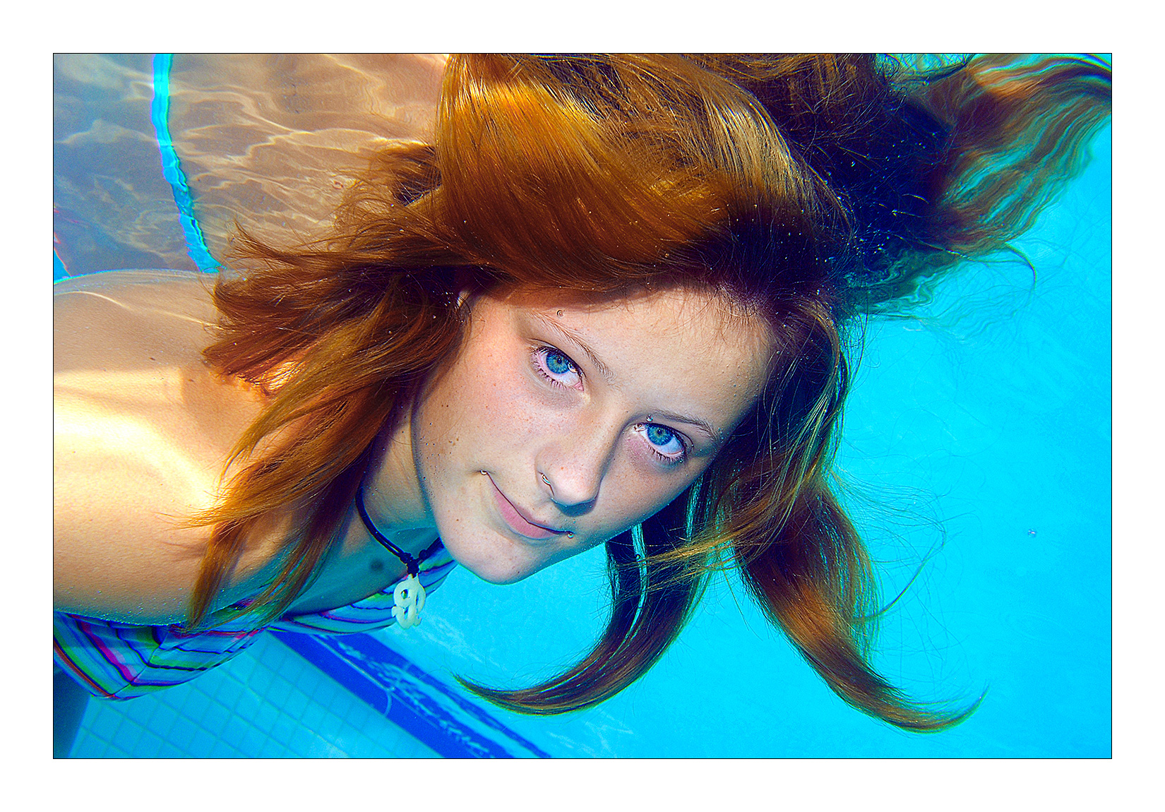 portrait-aquatique-piscine-mode-fille-photo-frontignan